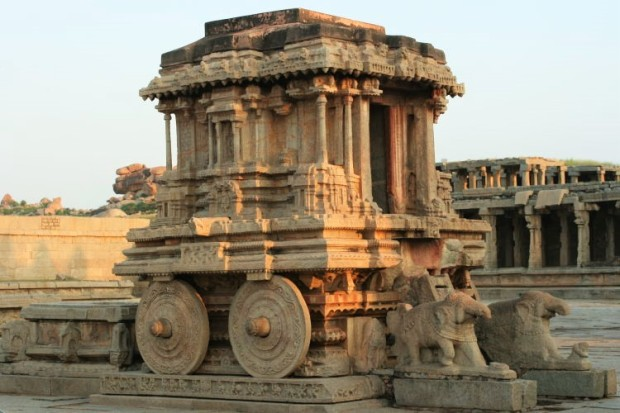 hampi_stone_chariot_at_vittala_temple