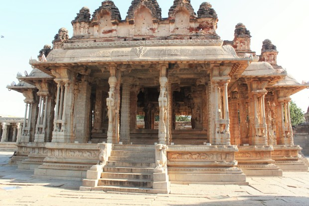 Vijaya_Vittala_temple_Premises-5,_Hampi